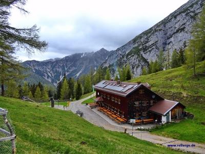 Neue Magdeburger Hütte ab Hochzirl