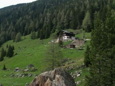 Meissner Haus durch das Viggartal