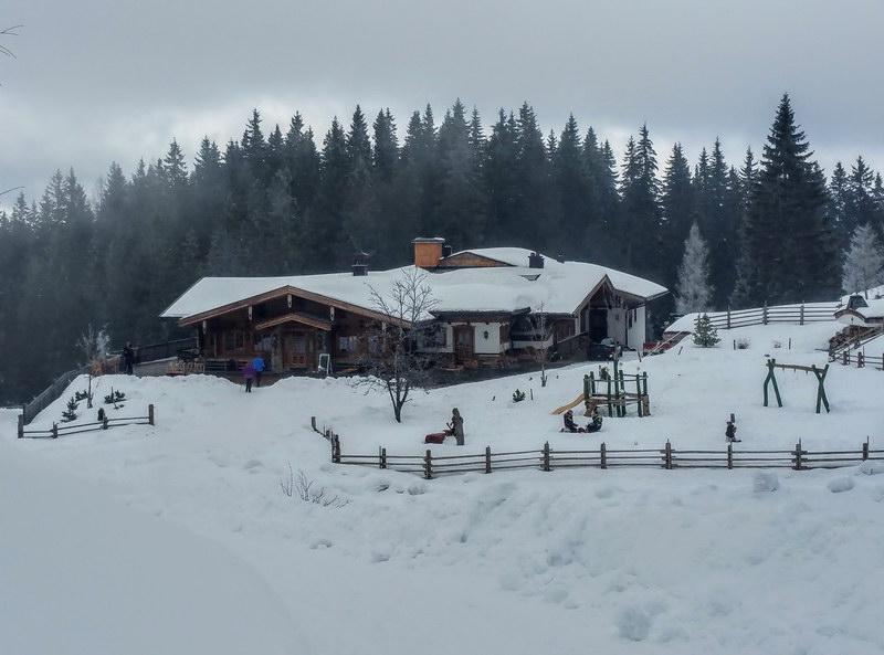Die Kala-Alm im Winter.