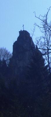 Wilde Felsen unterhalb des Kranzinger Bergs, zu sehen auf dem Weg zur Ottenalm