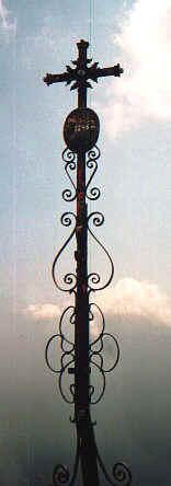 Gipfelkreuz des Klausenbergs.