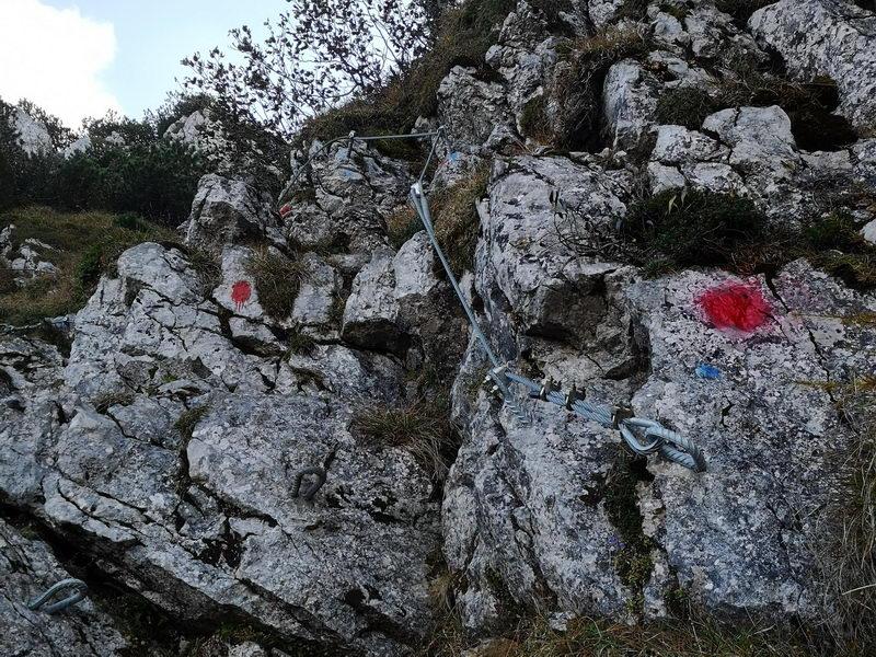 Der gesicherte Aufstieg zum Gipfel des Spitzsteins von seiner nördlichen Seite ist nur Geübten zu empfehlen.