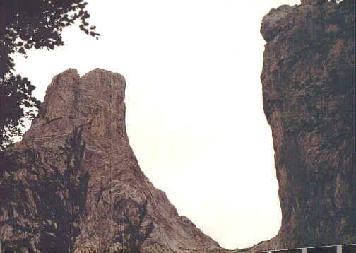Blick in die Steinerne Rinne (links Predigtstuhl, rechts Fleischbank)