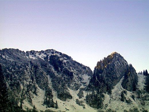 Blick auf den Hochsalwand (links) und Lechnerkopf (rechts) von der Lechneralm.
