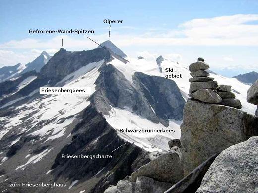 Die Gefrorene-Wand-Spitzen und Olperer: Blick auf den Grat, der vom Riffler bis hin zu den Gefrorene-Wand-Spitzen reicht