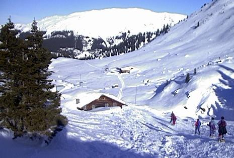 Die Neue Bamberger Hütte im Winter.
