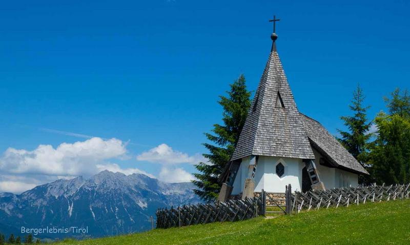 Die Kapelle auf der Kraftalm ist den Schutzheiligen der Milchwirtschaft (Heiliger Lucio, Heiliger Theodul und Heiliger Fridolin) geweiht.