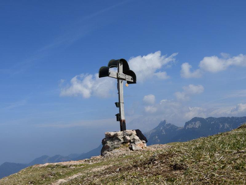 Am Gipfel des Laubenstein.Rechts dahinter die Kampenwand.