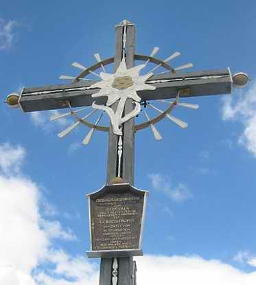 Das Gipfelkreuz, ursprünglich für das Sonntagshorn hergestellt.