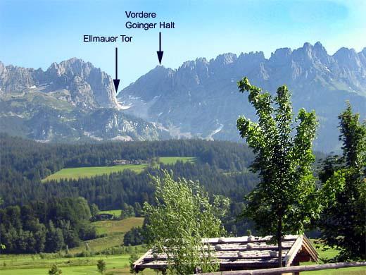 Von Süden aus präsentiert sich die Vordere Goinger Halt rechts des Ellmauer Tors.