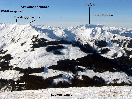 Blick vom gegenüber liegenden Lodron auf den Block Wildkarspitze - Breiteggern (Breiteck) - Schwaigberghorn - Feldalphorn.