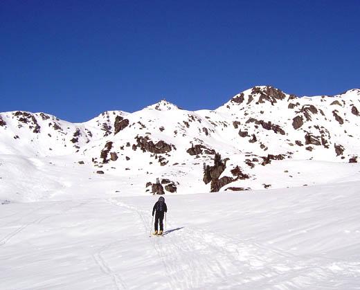 Auf dem Weg zum Salzachgeier (der Gipfel genau über dem Tourengeher).