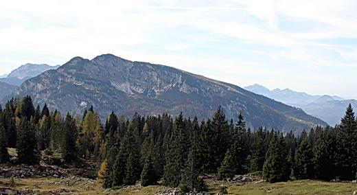 Das Unterberghorn hier von seiner östlichen Seite. Der Aufstieg erfolgt auf dem Bild von rechts nach links. Standpunkt des Fotografen ist das Straubinger Haus unterhalb des Fellhorns.