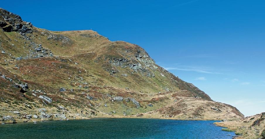 Der Torsee, überragt vom Gamshag. Foto: