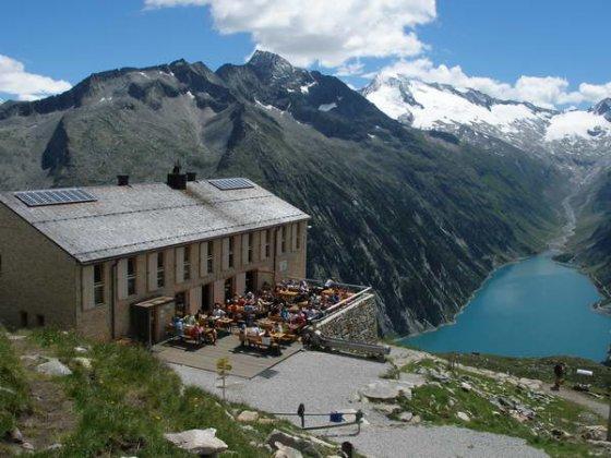 Die 2007 neu erbaute und 2008 eröffnete Olpererhütte
