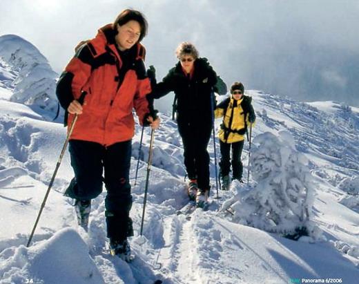 Die Gipfel des Mangfallgebirges bieten im Winter eine Vielzahl von Skitourenmöglichkeiten für Anfänger wie Profis – hier im Wendelsteingebiet. Der berühmte Wendelstein, eigentlich ein Pistenskiberg, zieht seit einigen Jahren immer mehr Tourengeher an, die die gute Erreichbarkeit schätzen.