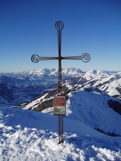 Das Gipfelkreuz am Saalkogel