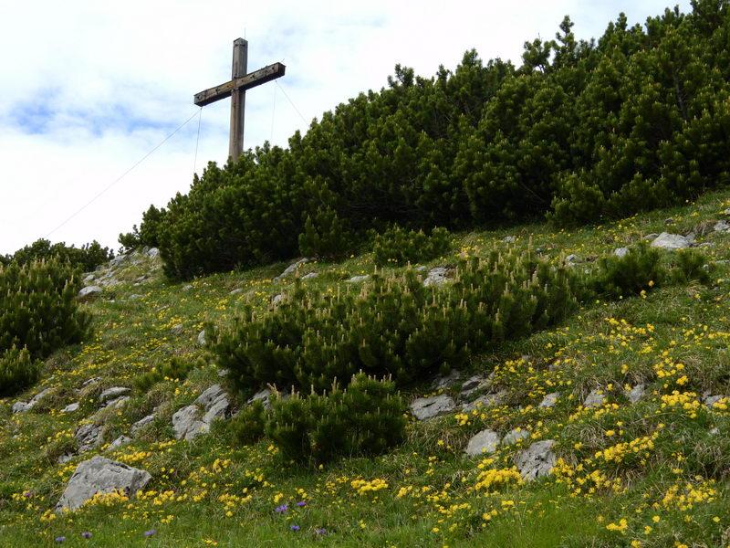 Das Gipfelkreuz auf dem Simmetsberg
