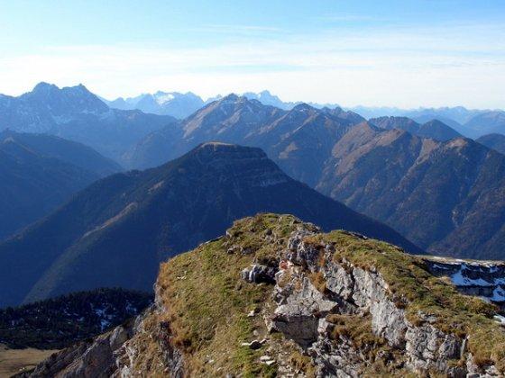 Blick vom Schafreuter auf den Vorderskopf mit seinem abgeflachten Gipfel
