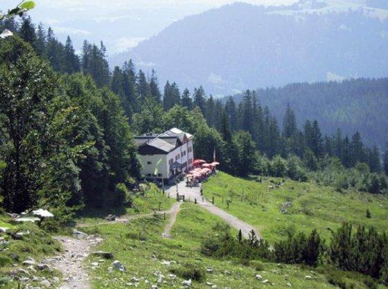 Ziel beim Abstieg vom Ellmauer Tor: Die Gaudeamushütte