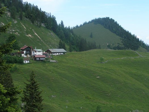 Das Bodenschneidhaus liegt unterhalb des Gipfels.