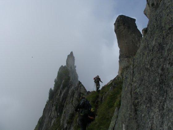Die Krummschnabelschneide hat es in sich, ist aber für trainierte Bergsteiger kein Problem - Schwindelfreiheit vorausgesetzt.