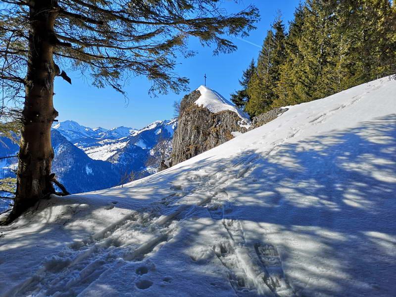 Der steile, aber einfach erreichbare Gipfel des Rehleitenkopfes