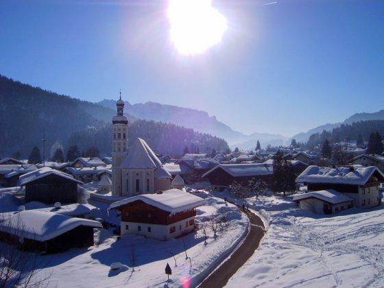"""Auf der Sonnenseite des Tals: das """"Schneeloch"""" Sachrang"""