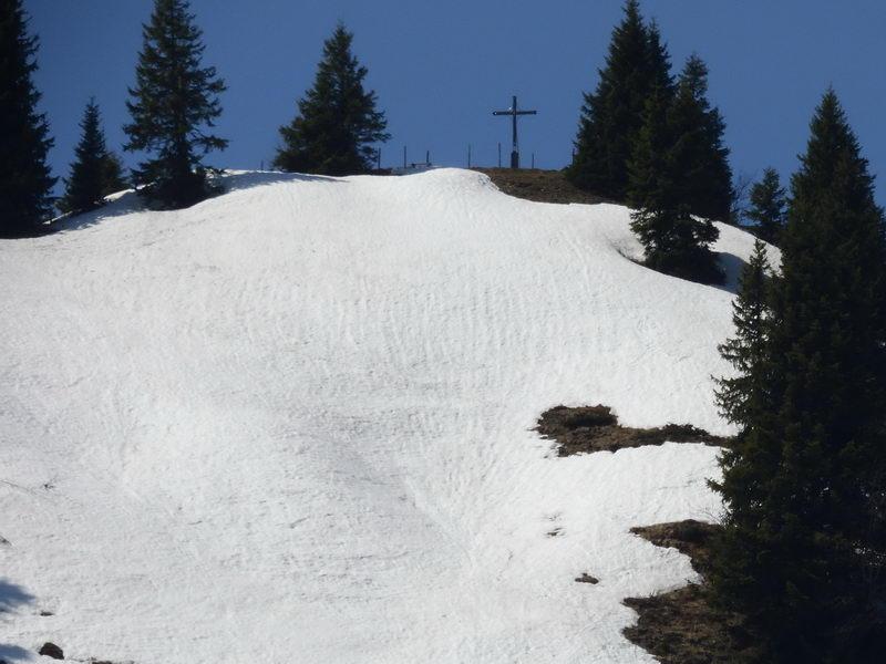 Das Gipfelkreuz des Karkopfes.