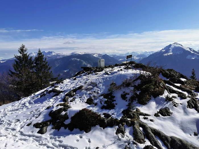 Direkt über das Sonnwendköpfl verläuft die Bayrisch-Tiroler Grenze.