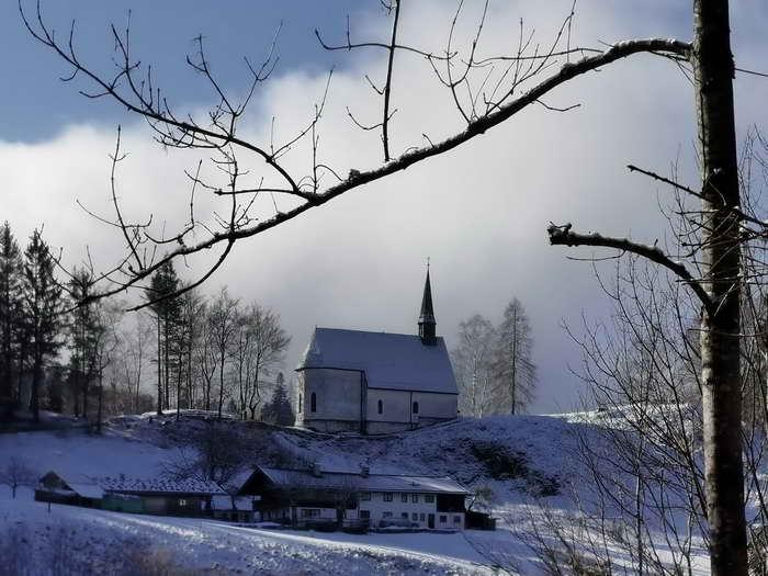 Hier, unterhalb der Streichenkapelle, beginnt unsere Wanderung.