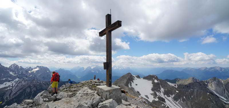 Das Gipfelkreuz der Soiernspitze