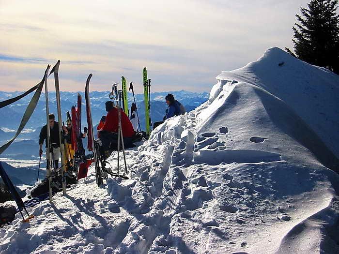 Am Gipfel treffen wir auch immer Skitourengeher an