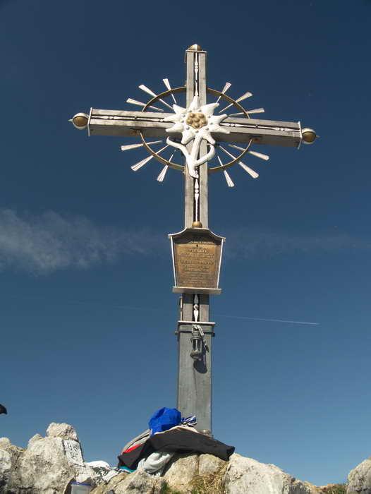 Das bekannte Gipfelkreuz des Peitingköpfl
