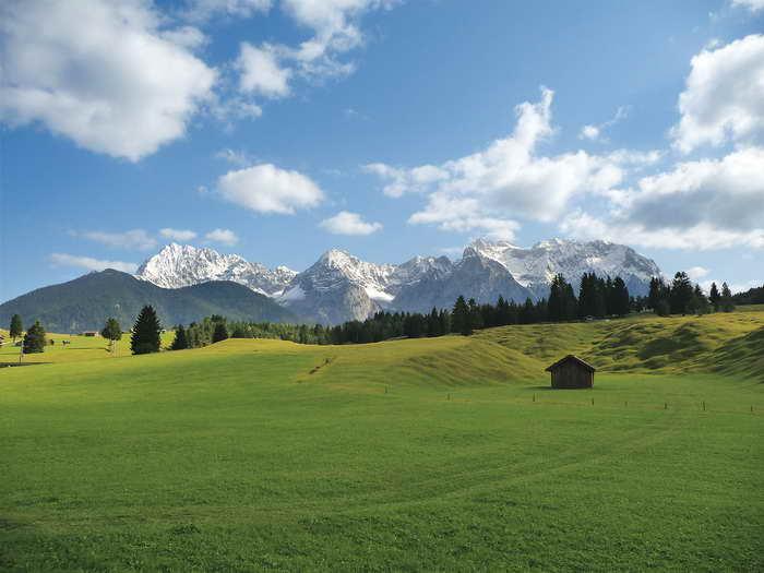 Buckelwiesen mit KarwendelpanoramaFoto: Carmen Egelhaaf