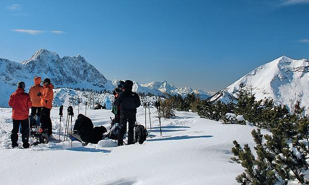Am Hochalplkopf, rechts Soiernspitze, im Hintergrund das ZugspitzmassivFoto © Evamaria Wecker
