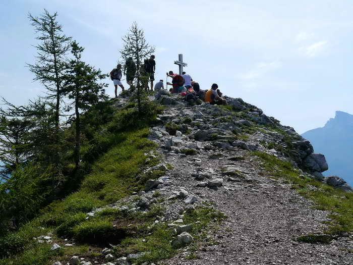 Geschafft: Das Gipfelkreuz (auf dem Vorgipfel)